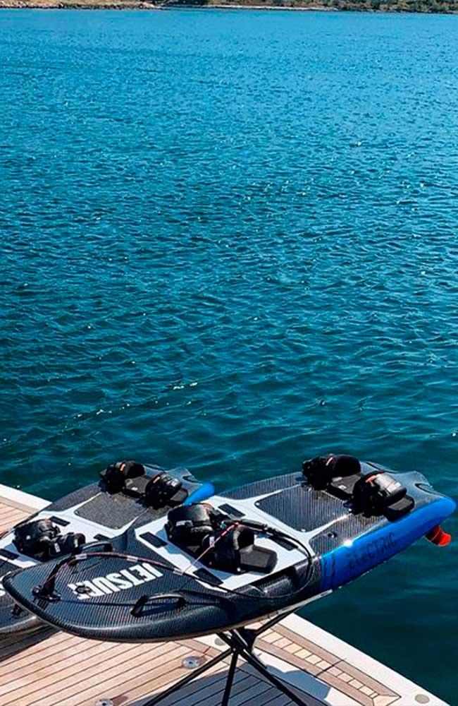 Jetsurf eléctrico apunto en Barco