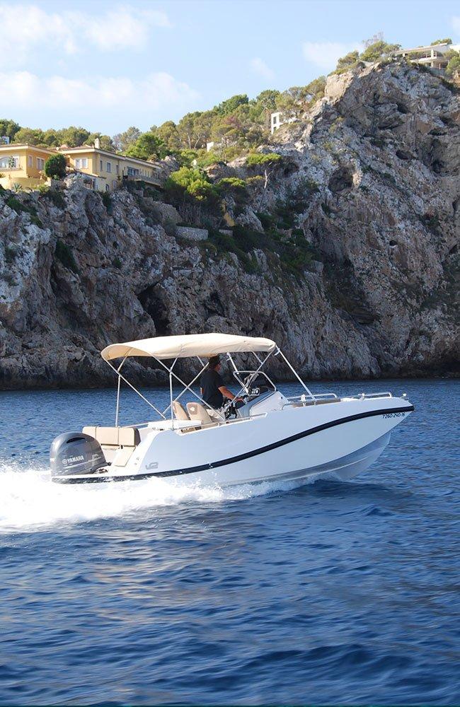 barco-sin-licencia-alquiler